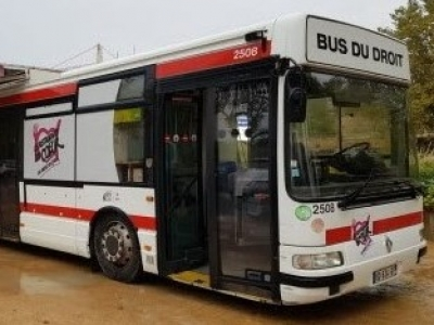 Permanence du bus du droit